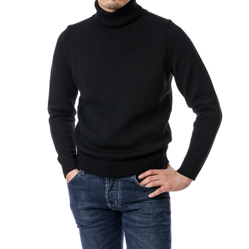 Black Plain Row Turtleneck