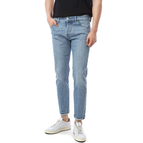 REGGAE. Tapered Fit. Foxit Patch Light Denim